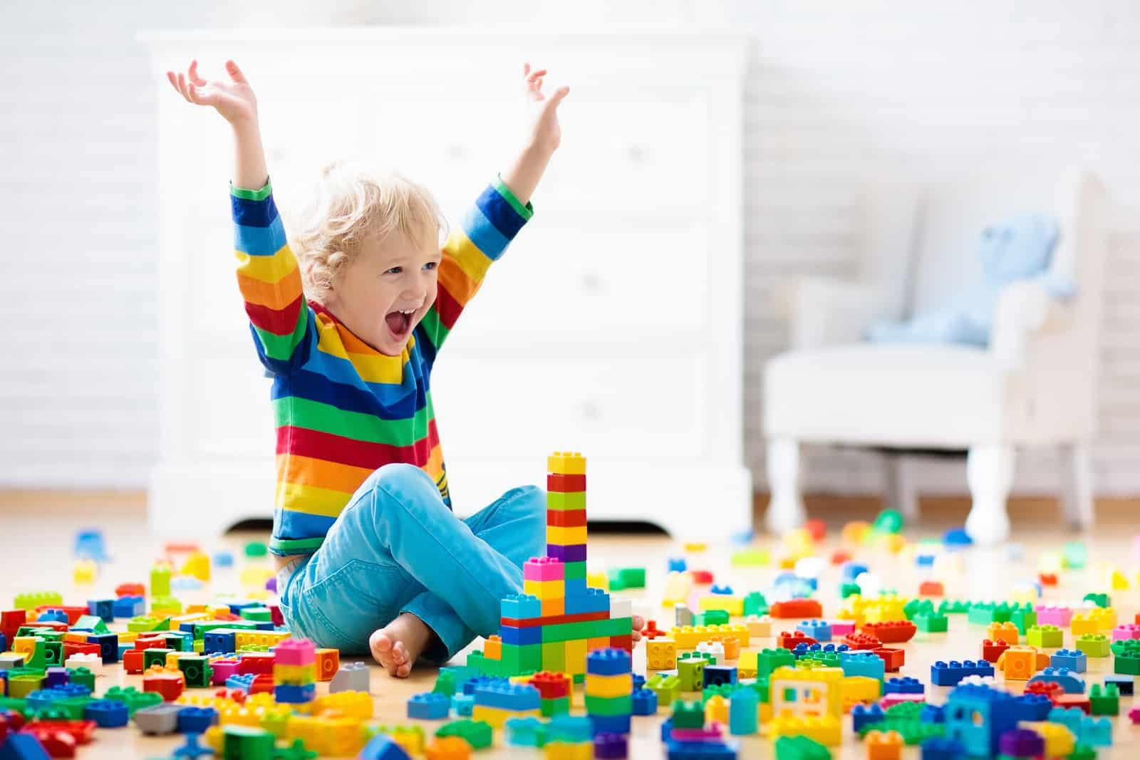 Minimalism In The Toy Room: Here Are The Only Kinds of Toys Your Kid Needs